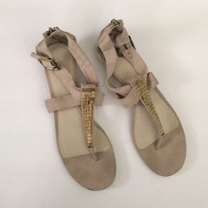 Elle suede like sandals